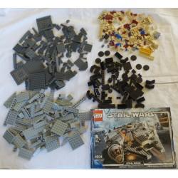 LEGO Star wars 4504 Millennium Falcon 2004 INCOMPLET